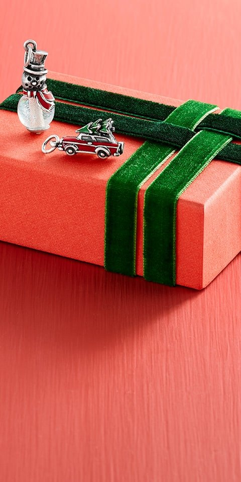 Gifts that say Merry Christmas