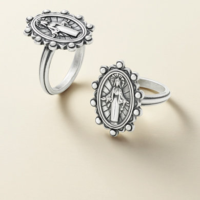 Shop all James Avery rings