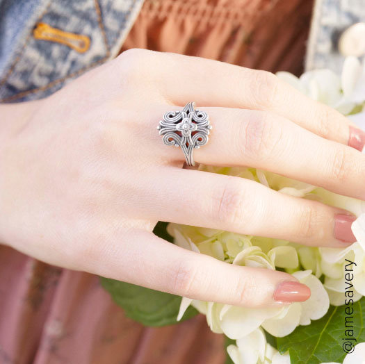 Model hand with ring